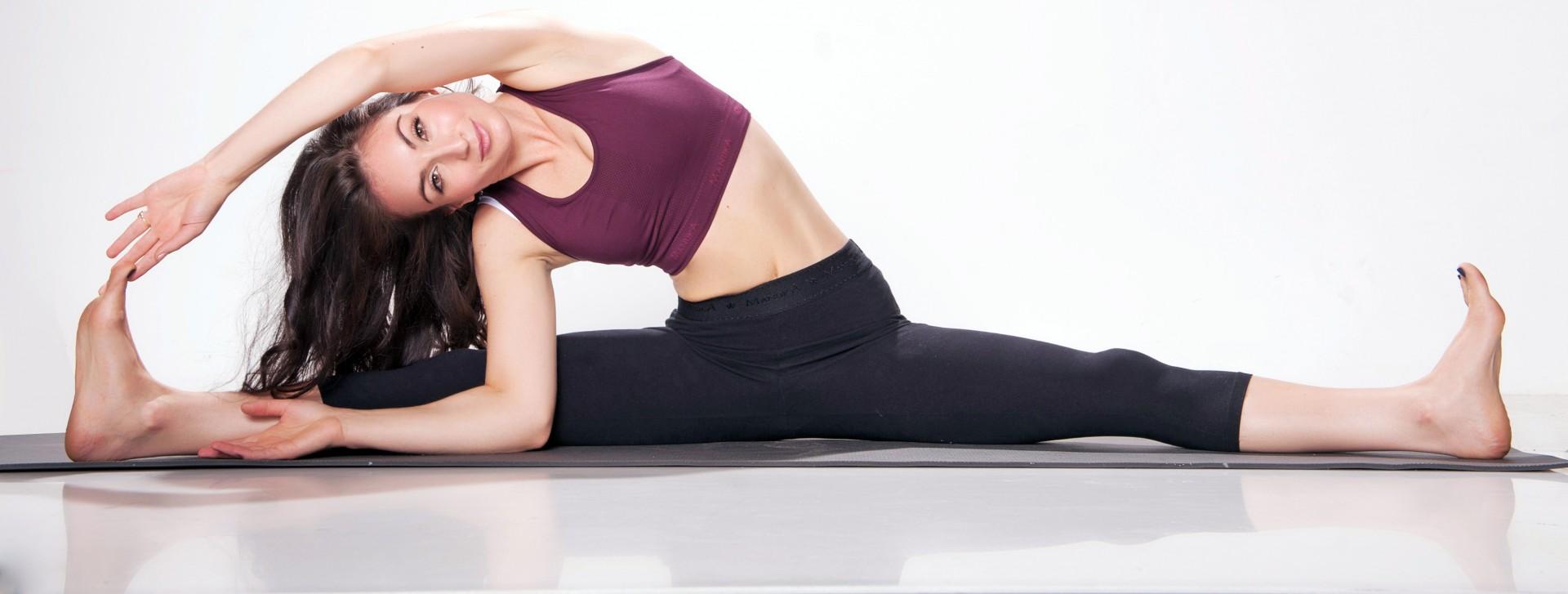 Roxy's Yoga Total Body Workout