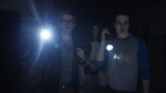 Against the Night Szenenbild