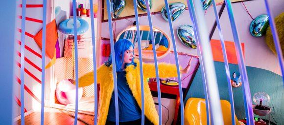 Electric Girl Szenenbild